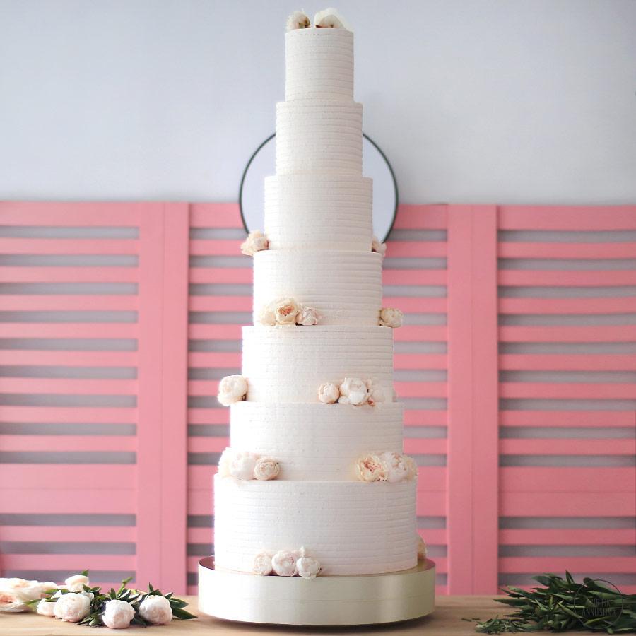 Decoração de Bolo de Casamento: 38 Ideias Para te Inspirar! 11