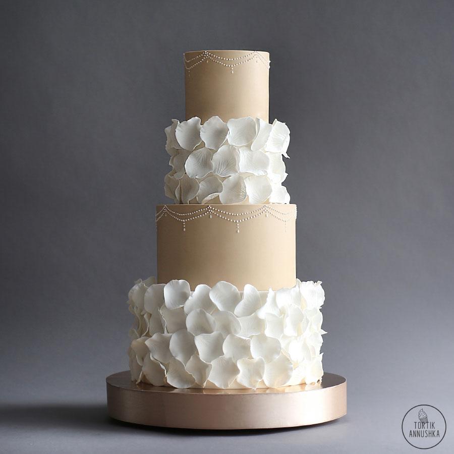 Decoração de Bolo de Casamento: 38 Ideias Para te Inspirar! 33